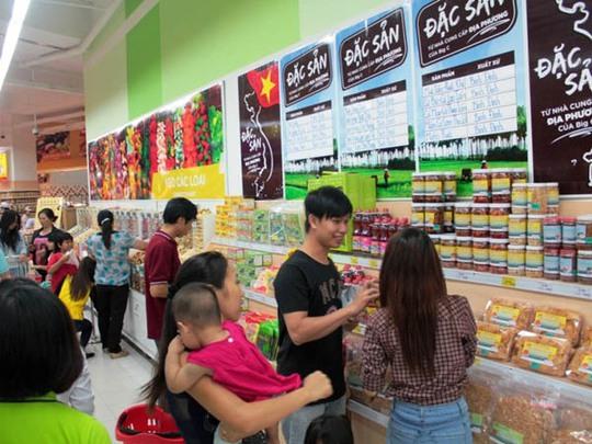 Khu vực bán hàng đặc sản miền Trung và Bình Định