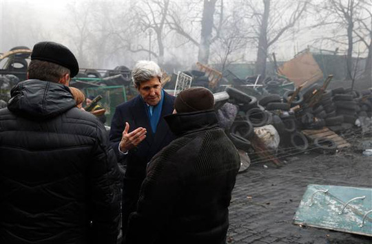 Image: John Kerry visits the Shrine to the Fallen in Kiev, Ukraine