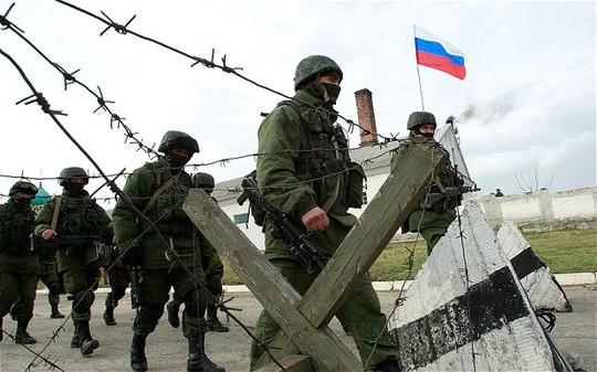 Russian troops near the village of Perevalnoye outside Simferopol.