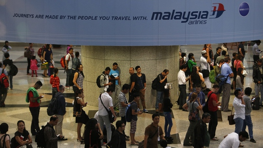 http://cdn.rt.com/files/news/23/57/e0/00/malaysia-plane-missing-crash.si.jpg