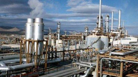 File photo shows Tehran refinery