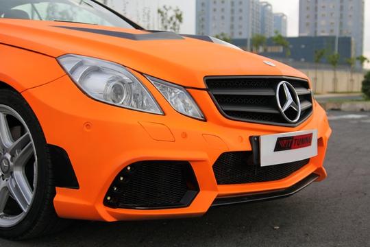 Xế độ Mercedes E350 Coupe màu độc ở Sài Gòn | Thị trường NLD