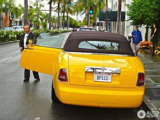 Rolls Royce là chiếc xe đắt tiền nhưng lại bị coi là cổ lỗ và cục mịch tại California (Mỹ).