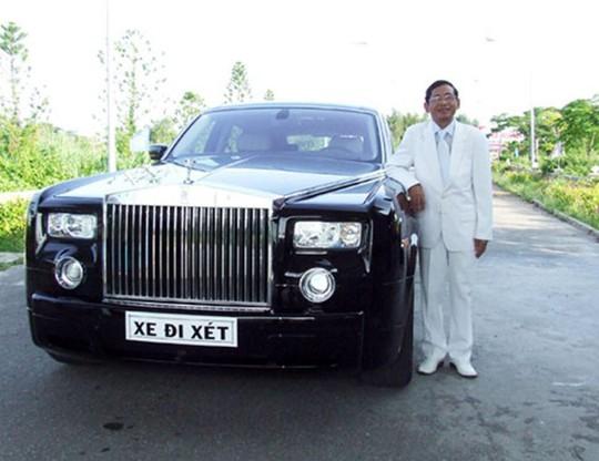 Đại gia Lê Ân đang sở hữu Rolls Royce Phantom, từng gây ồn ào với những phát ngôn gây tranh cãi.