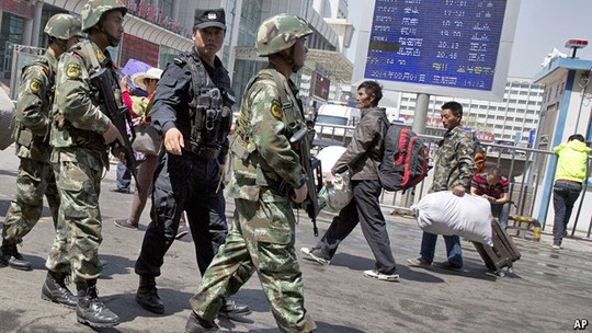 China says 18 suspects surrender over Xinjiang attack