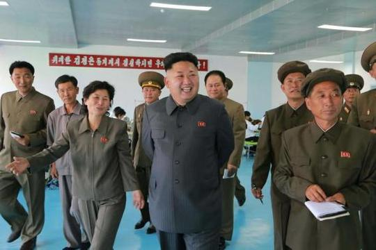North Korean leader Kim Jong Un visits the October 8 Factory in this undated photo released by North Koreas Korean Central News Agency (KCNA) in Pyongyang August 31, 2014. REUTERS-KCNA