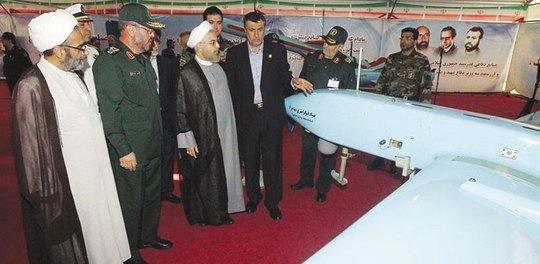 Loại máy bay không người lái Mohajer 4 được Iran trình làng hôm 24-8. Ảnh: gulf-times.com