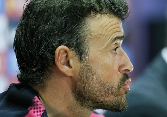 HLV Enrique còn nhiều việc phai3lam2 với Barcelona