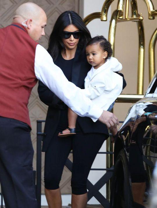 Kim và bé North
