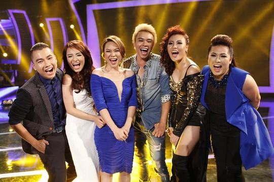 Tốp 5 Vietnam Idol cùng giám khảo Mỹ Tâm trong đêm gala 5