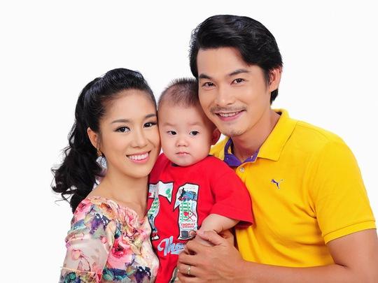 Gia đình hạnh phúc của Lê Phương 1 năm về trước