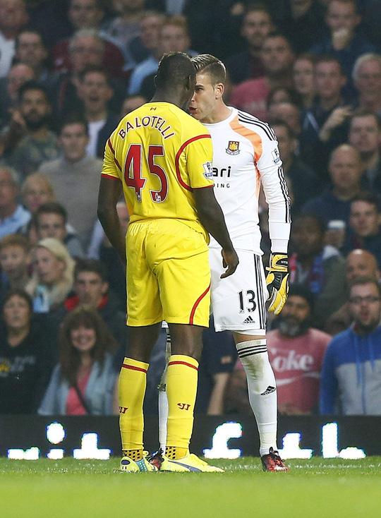 Balotelli gây thất vọng khiến người hâm mộ càng nhớ đến Suarez