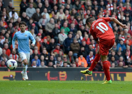 Coutinho trong bàn quyết định giúp Liverpool thắng Man City 3-2 Ảnh: REUTERS