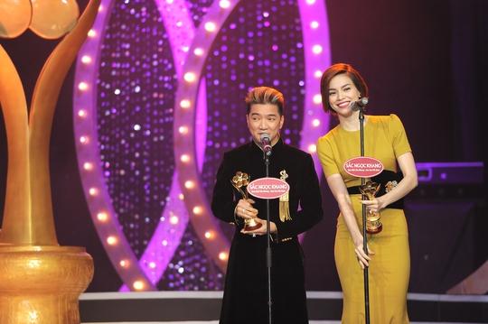 Cô cùng Đàm Vĩnh Hưng chiến thắng hạng mục Nam/Nữ ca sĩ được yêu thích nhất
