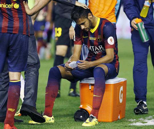 Nỗi thất vọng của Neymar sau trận