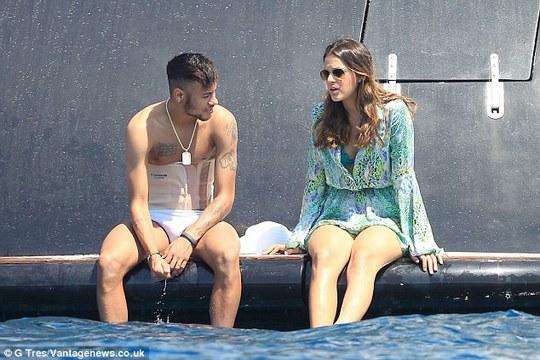 Tình cảm của Neymar và Bruno Marquezine ngày càng nồng thắm