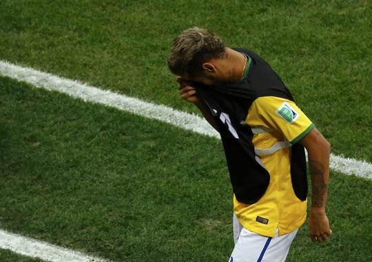Neymar lại khóc, lần này là sau thất bại trong trận tranh giải ba với Hà Lan