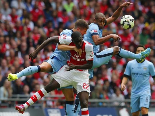 Siêu cúp Anh trở thành sân chơi cho các cầu thủ không mang quốc tịch Anh