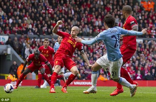 Man City đã gỡ hòa 2-2 với nguồn cảm hứng mang tên David Silva (21)