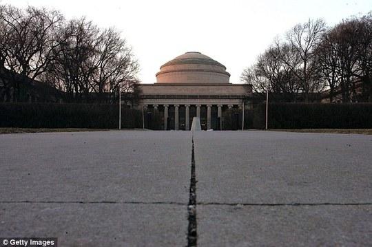 Viện Công nghệ Massachusetts đứng thứ hai bảng xếp hạng