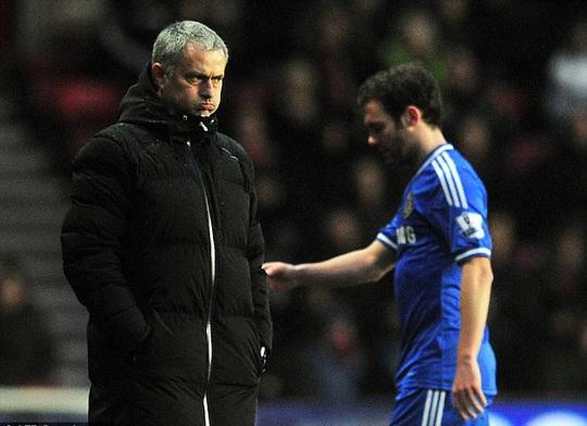 Đã đến lúc Mata chia tay ông Mourinho?