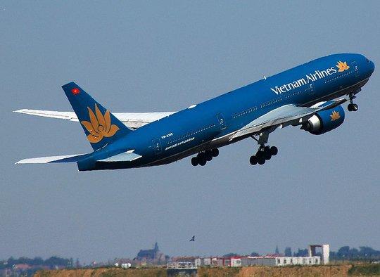 Máy bay Vietnam Airlines vừa cất cánh. Ảnh minh hoạ