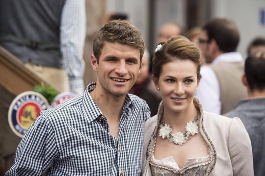Thomas muelles và cô vợ Lisa