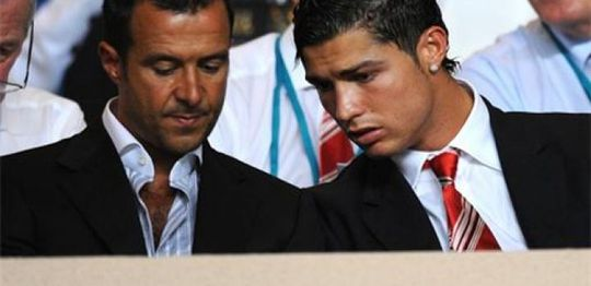 """""""Siêu cò"""" Mendes và Ronaldo"""
