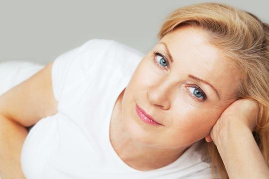 Chứng khô âm đạo thường xuất hiện ở phụ nữ giai đoạn tiền mãn kinh và mãn kinh