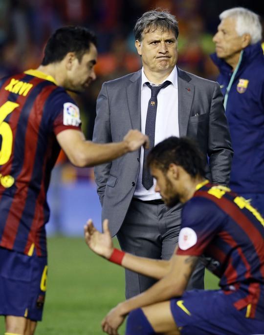 Hình ảnh phản ánh đúng nhất tình trạng Barca hiện nay