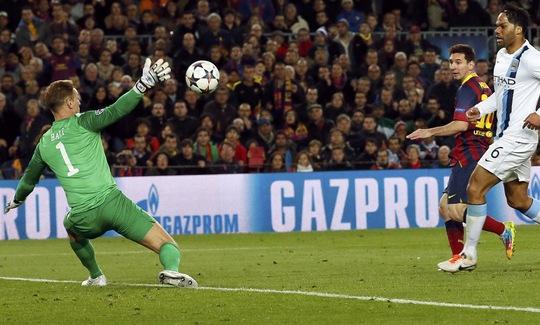 Messi tiếp tục trở thành ác mộng của Man xanh