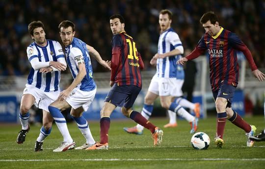 Một mình Messi không thể giúp Barca thoát thua trước Sociedad đá hợp lý hơn
