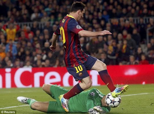 Messi một lần nữa tỏa sáng trước Man City