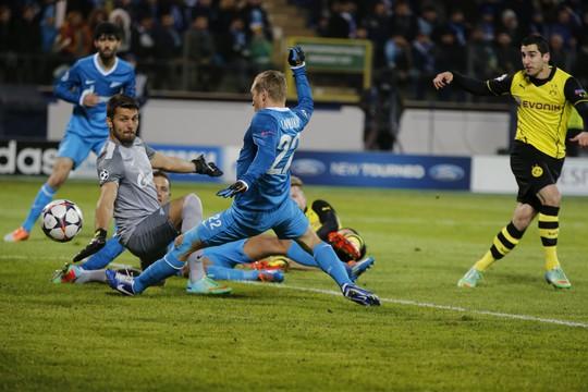 Mkhitaryan mở tỉ số cho Dortmund ngay phút thứ 4