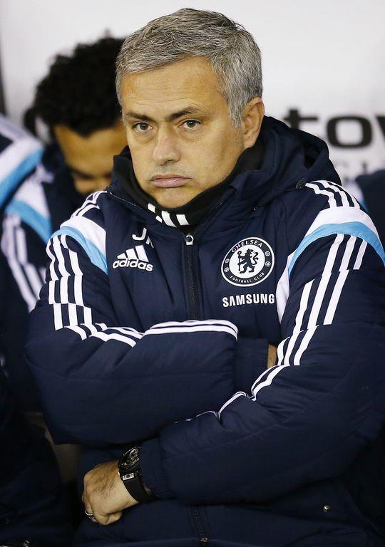 HLV Mourinho đã thuộc bài học về sự khiêm tốn
