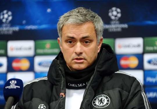 HLV Mourinho lại gây sốc với phát biểu của mình