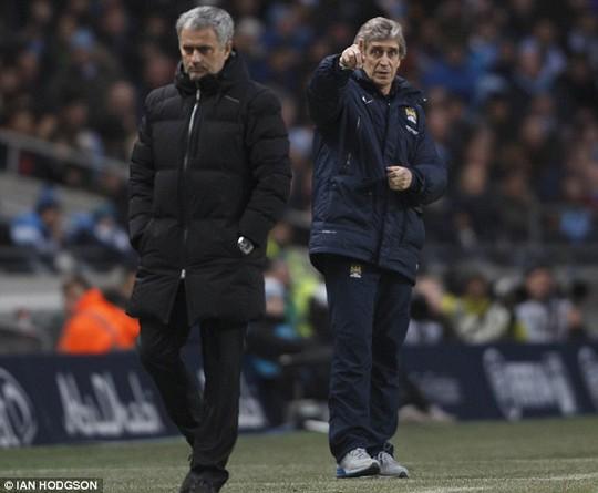 HLV Mourinho và Pellegrini, ai sẽ về đích trước hơn?