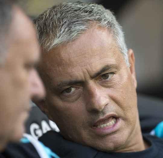 hLV Mourinho sẽ bán đi 1 cầu thủ sau chuyến du đấu mùa hé