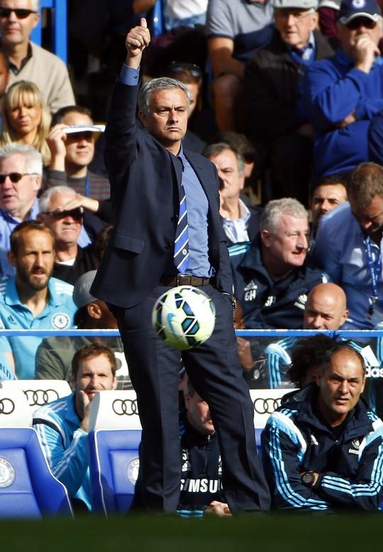 Những phát biểu của Costa hoàn toàn ngược lại với thầy Mourinho