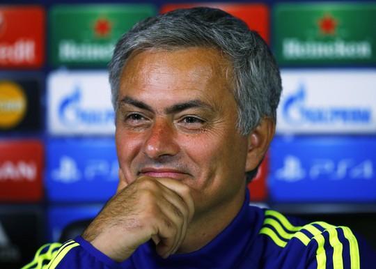 HLV Mourinh cảm thấy hạnh phúc hơn vì có nhiều fan hâm mộ