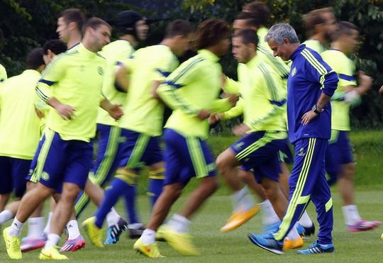 Thầy trò HLV Mourinho chuẩn bị cho trận tiếp Schalke 04 ở Champions League vào rạng sáng 18-9