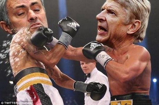 Võ sĩ Mourinho né được cú đánh của ông Wenger