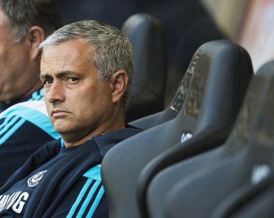 Người hâm mộ đang chờ xem HLV Mourinho trổ tài ở Premier League.