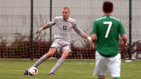 Thủ môn Vanja Milinkovic trông già dặn so với tuổi 17 của mình