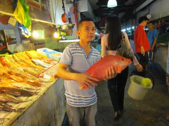 Con cá to oách thế này rao bán ai mà chẳng mê
