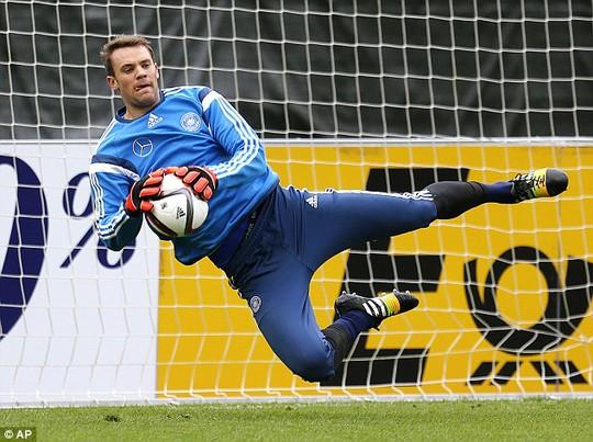 Thủ môn Neuer xuất sắc nhưng ít được nhiều người nhớ đến như Messi hay Ronaldo