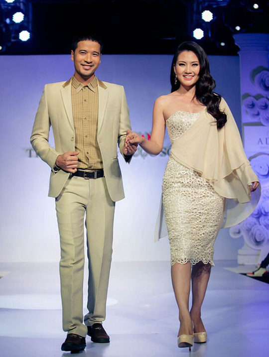 Cả 2 còn xuất hiện chung trên sân khấu của một chương trình thời trang