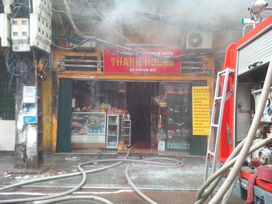 Căn nhà số 81 phố Hàng Bồ bị cháy