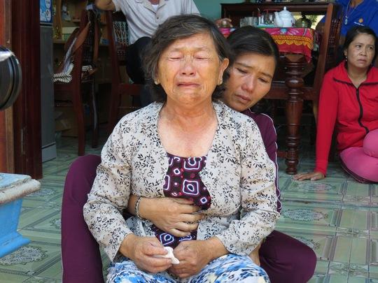 Bà Trần Thị Dề gào khóc gọi tên con