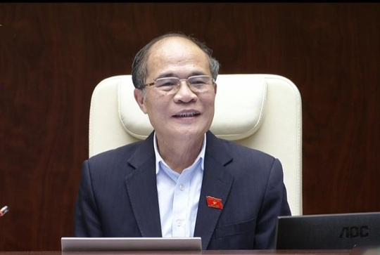 Chủ tịch QH Nguyễn Sinh Hùng đánh giá phần trả lời chất vấn của Bộ trưởng Thăng thẳng thắn, rõ ràng, đưa ra được giải pháp và đặc biệt là có những cam kết rất quý báu, khẳng định nói đi đôi với làm, hứa là phải thực hiện. Ảnh chụp qua màn hình